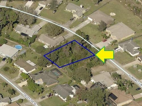 1562 Elmhurst Circle SE, Palm Bay, FL 32909