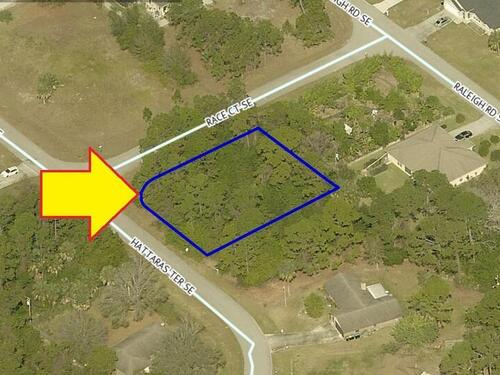 985 Corner Lot On Hattaras Terrace, Palm Bay, FL 32909