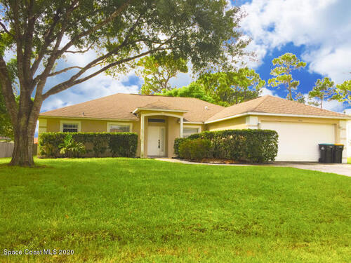 1462 NW Lombard Street NW, Palm Bay, FL 32907